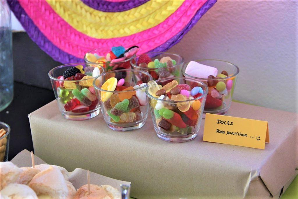 detalhe da festa do COCO, gomas coco themed birthday party