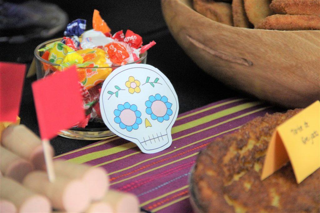 detalhe de decoração da festa do COCO coco themed birthday party
