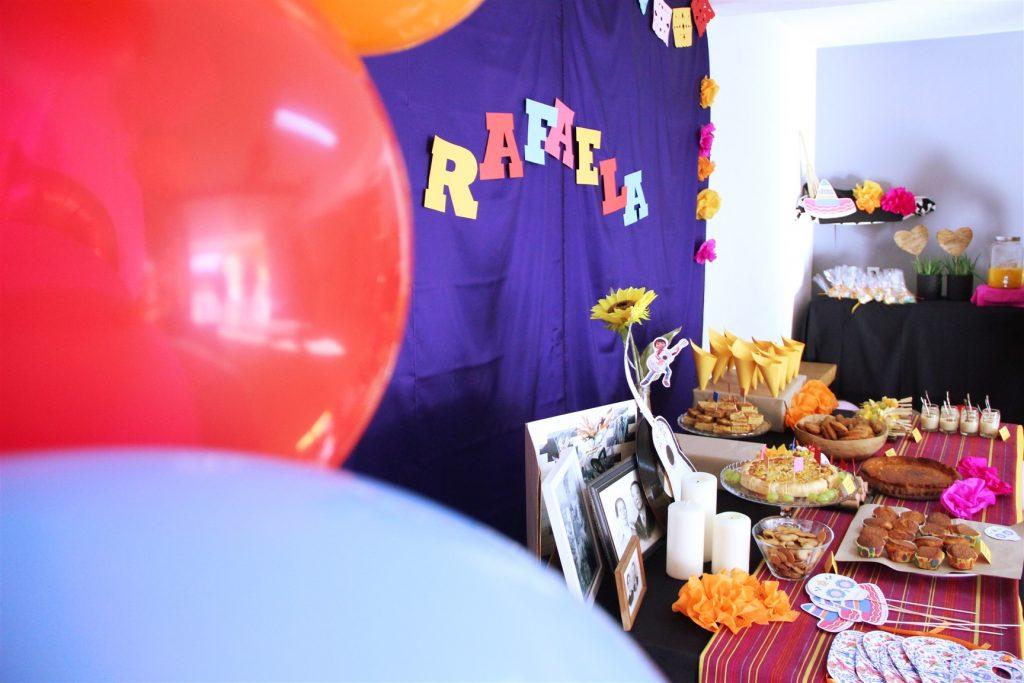 festa do COCO, mesa e balões coco themed birthday party